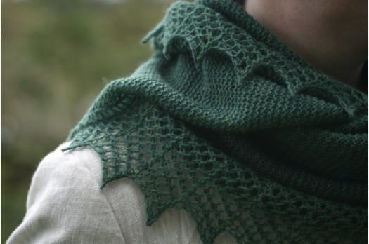 This photo is from Ms. Davies' site, which I hope she won't mind.  Click it to go to the link to get the pattern.